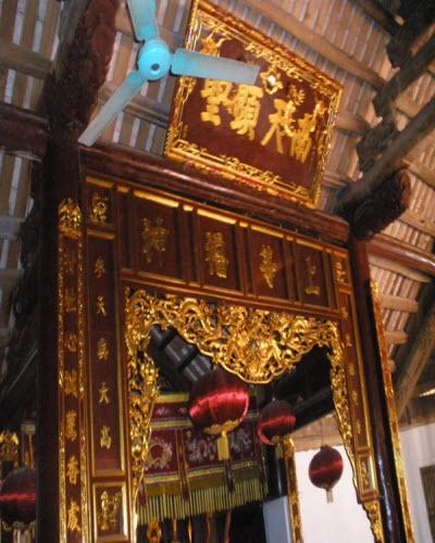 bộ đồ thờ sơn son thếp vàng  trị giá 10 tỷ đồng